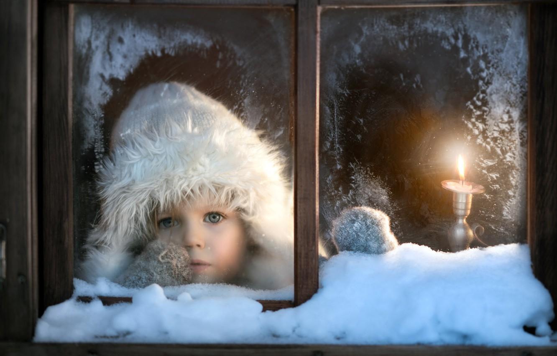Фото обои зима, окно, ребёнок
