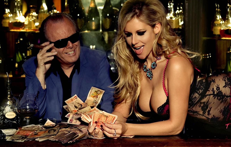 Фото обои девушка, деньги, виски, казино, выигрыш