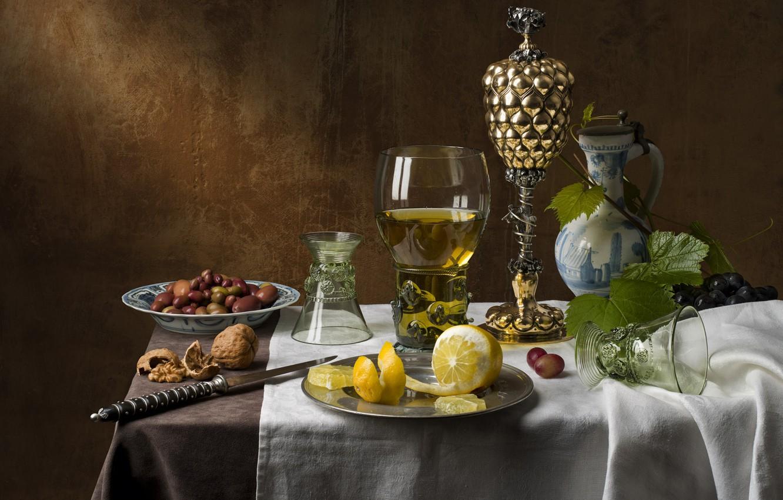 Фото обои вино, лимон, бокал, виноград, орехи, натюрморт, оливки