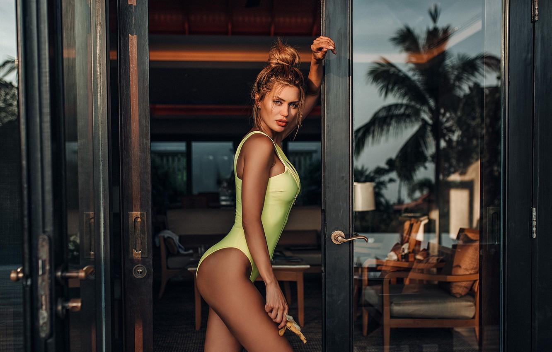 Фото обои купальник, девушка, поза, фигура, дверь, Evgeny Freyer, Евгений Фрейер