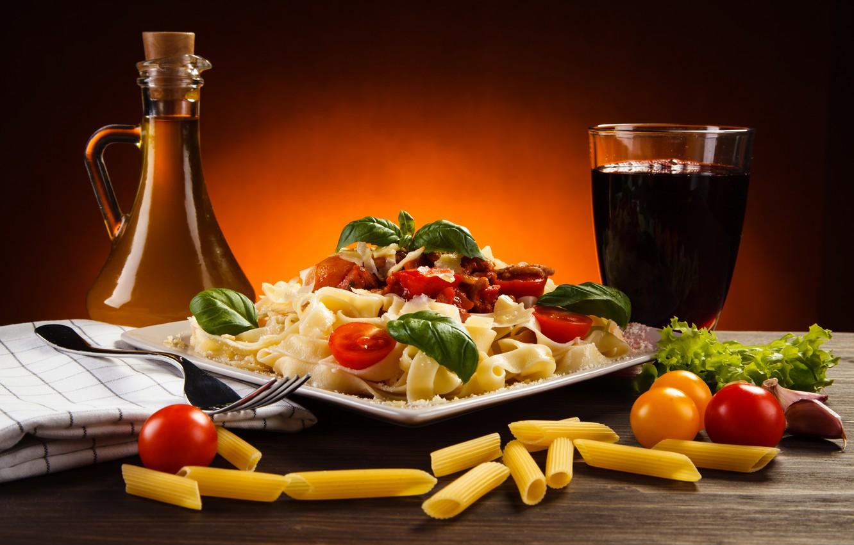 Фото обои зелень, стол, макароны, помидорки