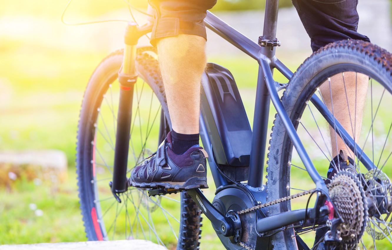 Фото обои wheels, bicycle, legs, man, gears, transport