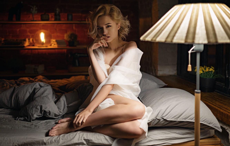Фото обои взгляд, девушка, поза, ножки, Сергей Жирнов, Кристина Сафонова
