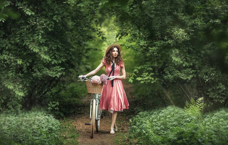 Фото обои девушка, цветы, природа, велосипед, настроение, корзина, платье, перчатки, шляпка, прогулка, кудри, тропинка, гортензия, Анастасия Бармина, …