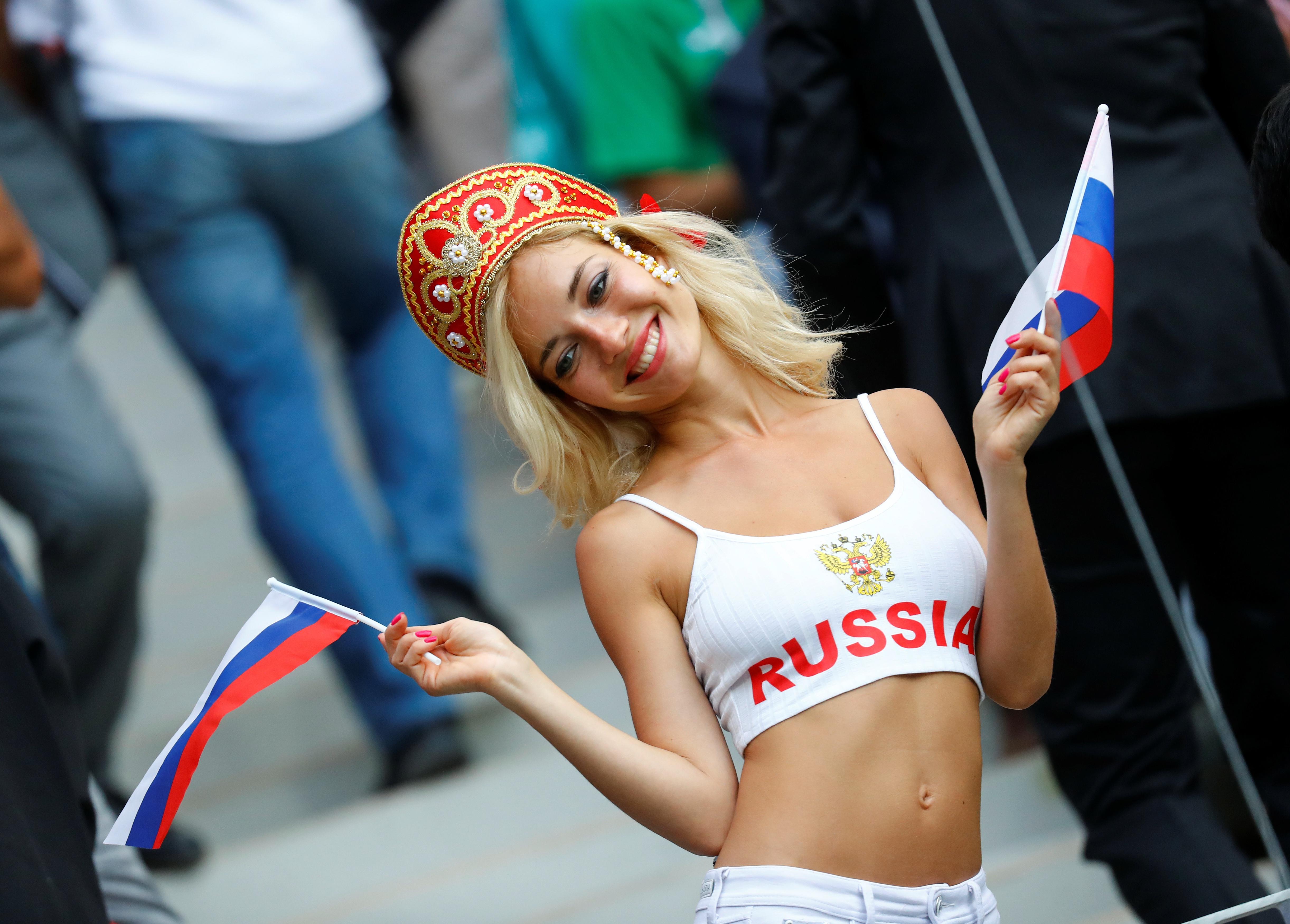 samie-krasivie-pukayushie-devushki-rossii-matyurki-zhirnie-foto