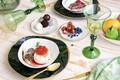 Картинка ягоды, стол, бокал, тарелка, фрукты, десерт